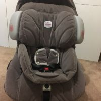 Britax Safe-n-Sound Car Seat